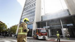 Extinguido un incendio en la séptima planta de la torre este del World Trade Center de Zaragoza