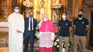 Visita 'secreta' del Real Zaragoza a la Vírgen del Pilar y al Ayuntamiento