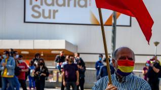 Cientos de personas, en la concentración en Madrid para pedir una mejor sanidad pública y la dimisión de Ayuso.