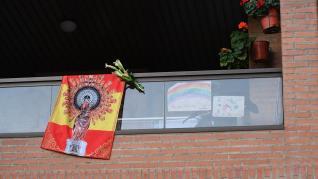 Balcones engalanados en Zaragoza en el Día del Pilar