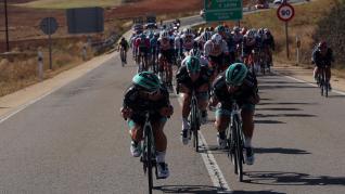 Ciclistas del equipo Bora en las puestos de cabeza del pelotón durante la cuarta etapa de la Vuelta Ciclista a España, entre Garray y Ejea de los Caballeros