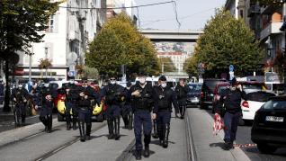 Atentado con al menos tres muertos en Niza.