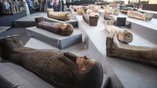 Egipto descubre uno de sus mayores hallazgos: más de 100 sarcófagos intactos