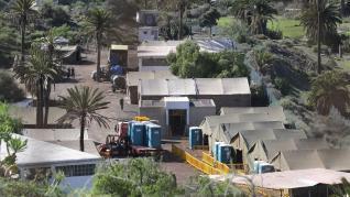 Llegada de los inmigrantes al campamento de Barranco Seco, en Las Palmas.