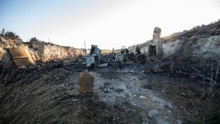 un indigente sufre quemaduras incendio entre cuarte y A-23