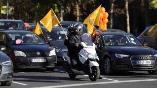 La 'marea naranja' de la concertada abarrota las calles en contra de la ley Celaá