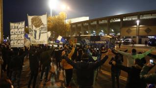 Cálido recibimiento al Real Zaragoza en La Romareda