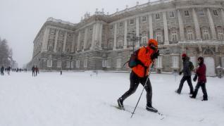 Esquiando en Madrid en la nevada de la borrasca Filomena