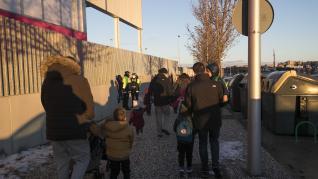 Los niños del barrio Parque Venecia regresan a clase con normalidad.