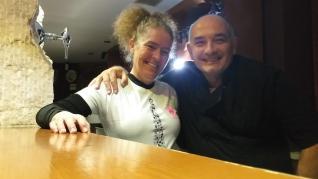 Susana Sánchez y Jaime Pou, en el bar del Palacio de Bureta.