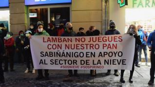 Escrache al alcalde de Jaca tras la cacerolada