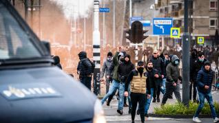 Police clashes with anti-lockdown protesters