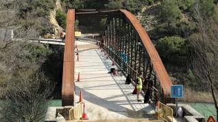 Reapertura a la circulación del puente de Santa Eulalia de Gállego tras más de un mes de obras.