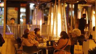 Ambiente nocturno en Zaragoza este 5 de marzo de 2021 en plena pandemia del coronavirus.