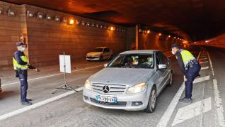 La Policía Nacional ha empezado a pedir este martes en el Somport la prueba PCR a todos los conductores procedentes de Francia.