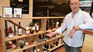 En Vinopremier se pueden degustar y comprar vinos, cervezas y otras bebidas, y compartirlos con tapas.