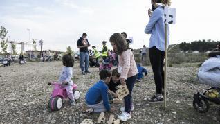 Las familias del María Zambrano, en Parque Venecia, volvieron a pedir la construcción del centro.