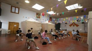 El 95% de los estudiantes universitarios de Ciencias de la Salud (345) de Huesca han completado este miércoles la pauta con la segunda dosis de Astra Zeneca.