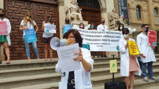 Concentración de médicos eventuales en Zaragoza.