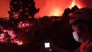 Las coladas de lava de La Palma bajan a 1.075 grados y una velocidad de 700 metros por hora
