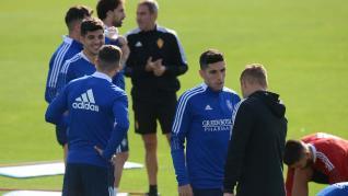 Entrenamiento del Real Zaragoza para preparar el partido contra el Oviedo