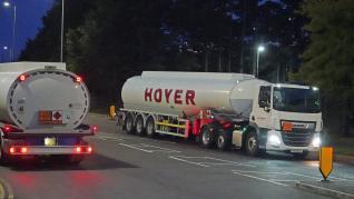 Los militares británicos distribuyen gasolina para paliar el desabastecimiento
