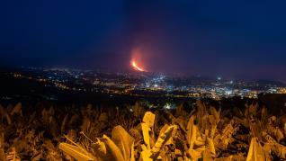 Se derrumba parte del cono del volcán y aumenta la actividad efusiva