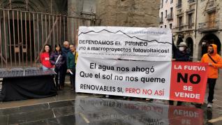 Convocatoria de la protesta de plataformas de las comarcas del Pirineo para exigir una regulación en el modelo energético actual.