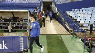 Ambiente en La Romareda con los aficionados del Real Zaragoza y la SD Huesca