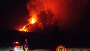 Ordenan nuevas evacuaciones por el volcán que afectan a unos 300 vecinos.