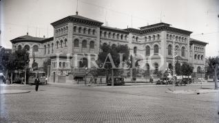 Fue inaugurado el 18 de octubre de 1893