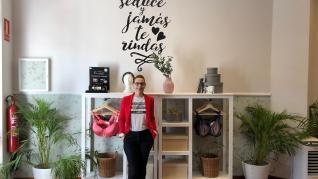La tienda 'Rosa en Positivo' imparte también talleres grauitos dirigidos a mujeres en tratamiento por cáncer.