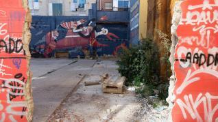 ESTADO DE LOS ESPACIOS DONDE SE CELEBRABA EL MERCADILLO DE LAS ARMAS EN EL BARRIO DEL GANCHO DE ZARAGOZA / 27-10-2021 / FOTOS: FRANCISCO JIMENEZ[[[FOTOGRAFOS]]]