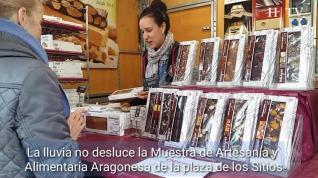 La lluvia no desluce la Muestra de Artesanía y Alimentaria Aragonesa