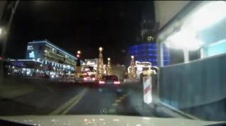 Primeras imágenes del instante en el que el camión arrolla el mercado de Berlín