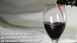¿Es bueno tomar una copa del vino al día?