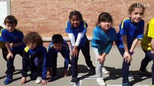 Los alumnos de La Salle Montemolín de Zaragoza, en la línea de salida de la I Milla Familiar