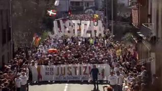 Multitudinaria concentración en Alsasua contra la sentencia de la Audiencia Nacional