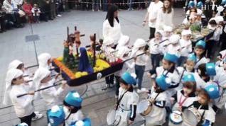 La tradicional procesión en miniatura de las Escolapias inaugura la Semana Santa en Zaragoza