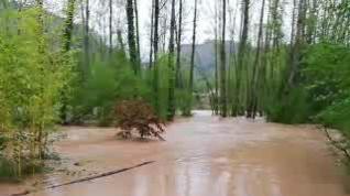 Los vecinos de los Tarrasones, en Olba (Teruel), incomunicados por la riada