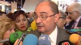 """Lambán cree que el """"volantazo"""" del PP al centro """"no es creíble si no conlleva la dimisión de Casado"""""""