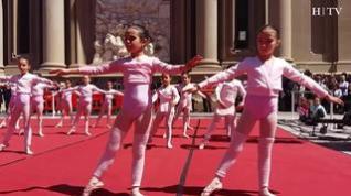La danza y la música inundan la Plaza del Pilar de Zaragoza