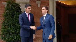 Sánchez recibe a Rivera en La Moncloa