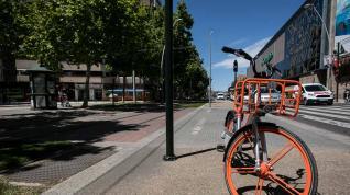 Atropellada por el tranvía una menor de 14 años que iba en bicicleta por Gertrudis Gómez de Avellaneda.