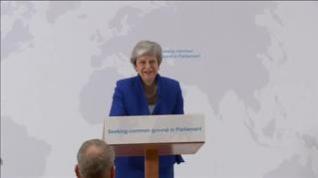 """May ofrece a los diputados votar sobre un segundo referéndum del """"brexit"""""""