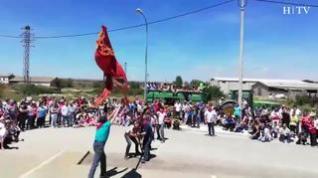 Tardienta celebra el 'Saludo de la Bandera'