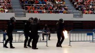 La Policía Nacional exhibe 'músculo' en el pabellón Príncipe Felipe de Zaragoza