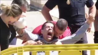 Enorme tensión a la llegada de 'Juanin' a los juzgados de Aranjuez