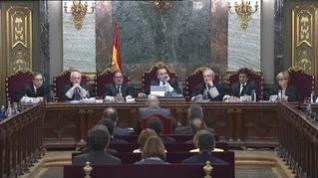 """Romeva: """"Aquí no estamos sentadas solo 12 personas. Están sentadas más de dos millones de personas"""""""