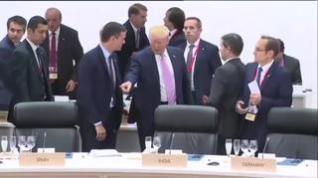 Trump 'manda sentar' a Pedro Sánchez en su encuentro en el G20